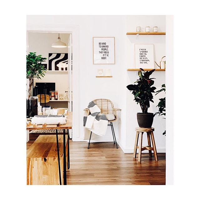 Weekend-Impressions from the Studio @cotahamburg shot By @aliceandlogan  #interiordesign #handmade #postcard #graphicdesign #interior #handcrafted #print #papeterie #paperlove #papergoods #doityourself#weekendvibes