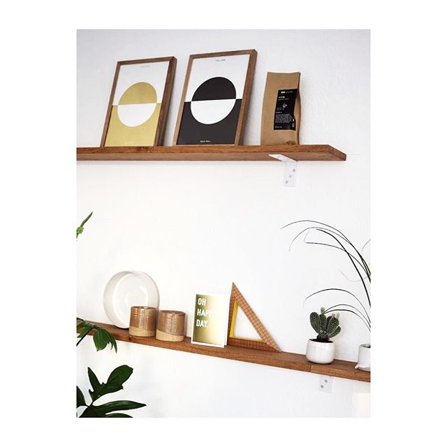 Todays mood #iicwooden #instagood #wood #shelfie #graphicdesign #papercraft #paperlove #print #interior #wohnkonfetti