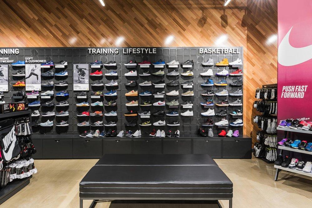 Nike-Robina-4.jpg