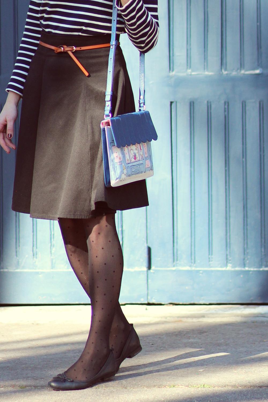 Blog mode paris parisienne parisien mariniere jupe collants plumetis