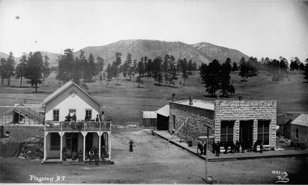 Post office and other buildings in Flagstaff, 1899.