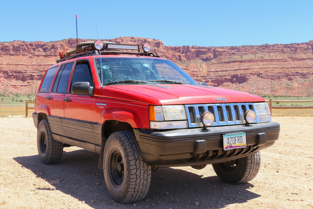 Preparing to air up for a short pavement section after the Vermillion Cliffs.