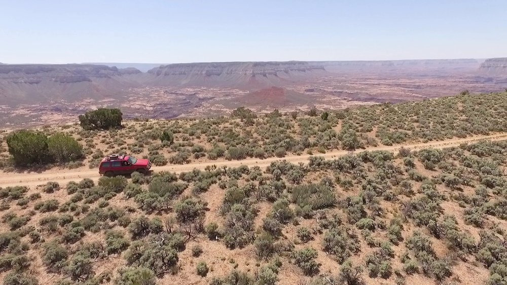 The trail to Jumpup Overlook has amazing views into the Grand Canyon along the way.