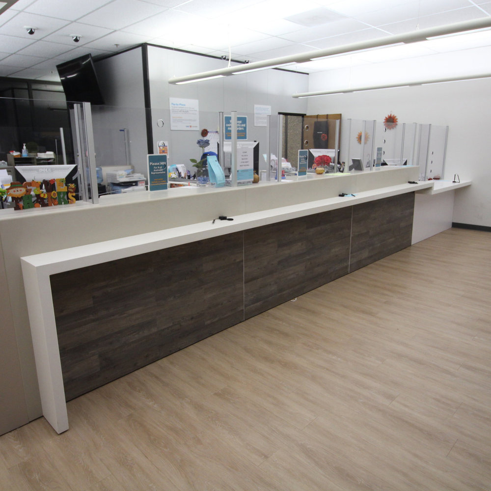 PG&E Teller Lines - Standard teller lines with adjustable work surfaces