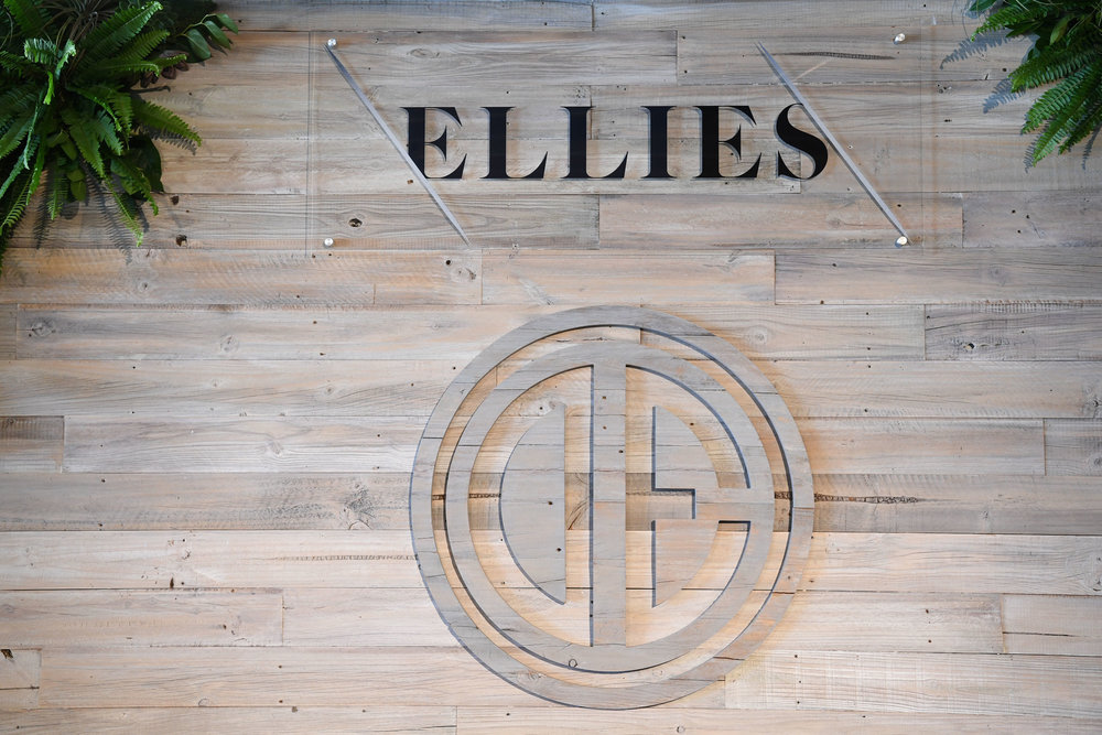 Ellies FL Sign