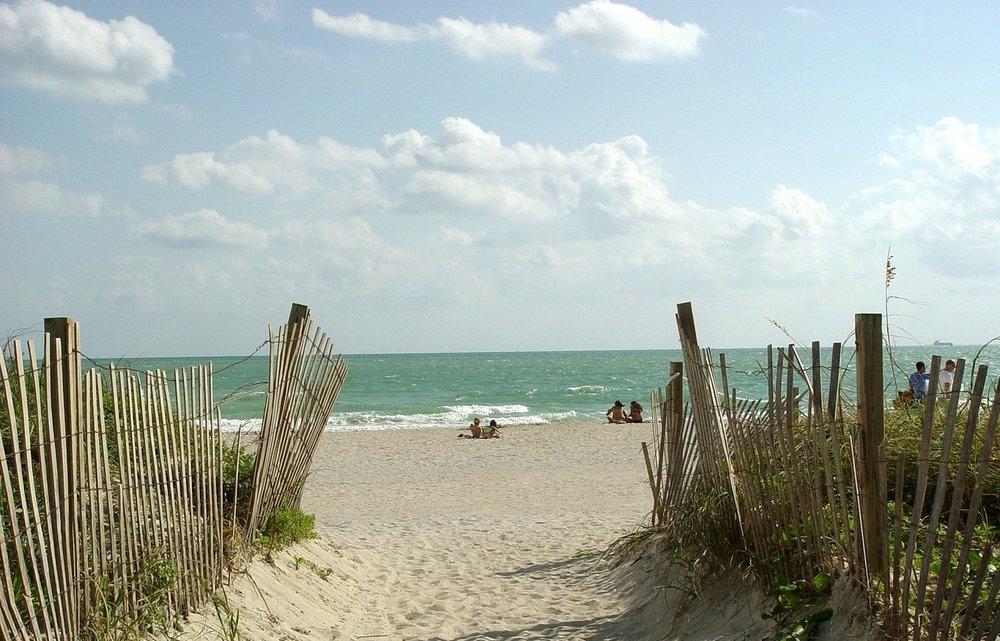 beach-1808406_1280.jpg