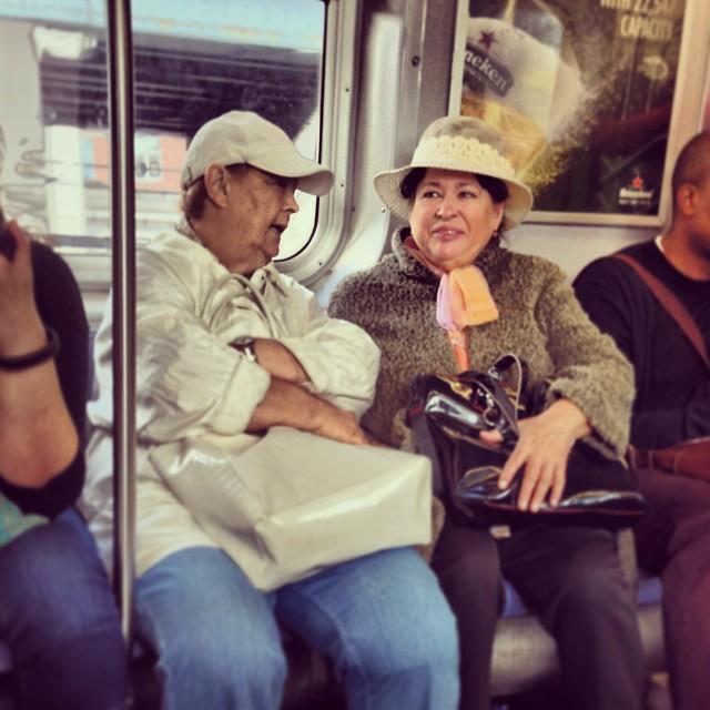 Ladies_in_hats.__manhattanbridgeproject_o.jpg