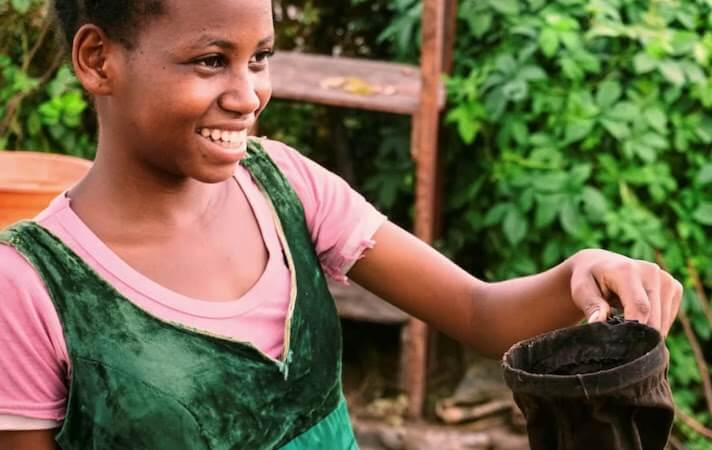nicole-motteux-sustainable-coffee-advocate-girl-madagascar.jpg