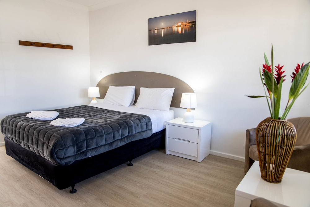 STANDARD SINGLE ROOM   Enjoy the comfort of our spacious single room. Fully self contained with all standard features.