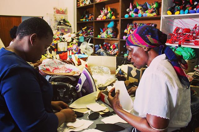 @KupendoKids we use suppliers that fairly pay women that need to support their families #Metoo #fairtrade #empoweringwomen #changemakers #socialimpact #handmade #toys #Fairtradetoys #kids #fun #artisan #handcrafted #winwin