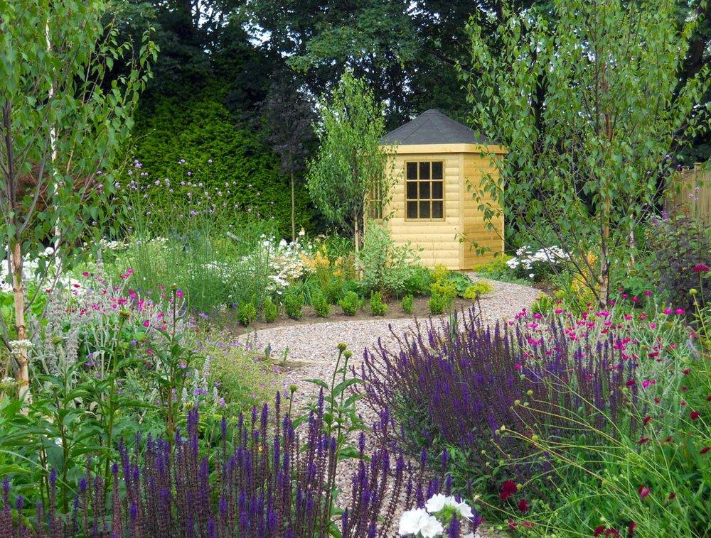 Amazing Gardens - Designing & Landscaping Gardens of all sizes throughout Cheshire. We also offer garden maintenance around Sandiway & Northwich