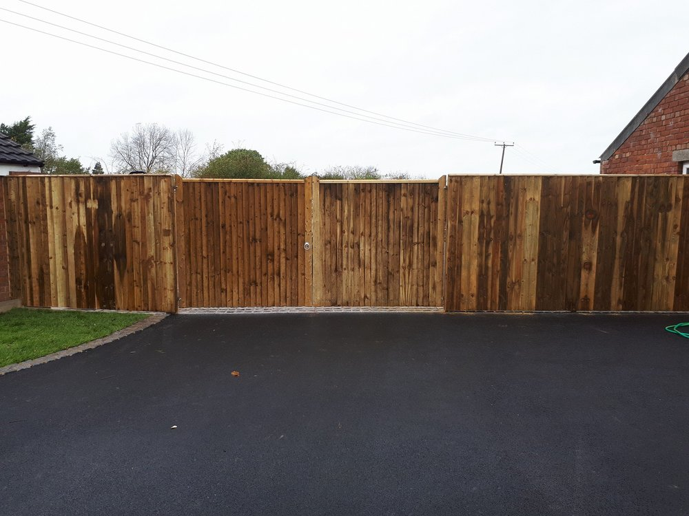Strike Fencing - Over 20 years of experience we cover private, commercial and industrial contracts to a very high standard by an experienced team.