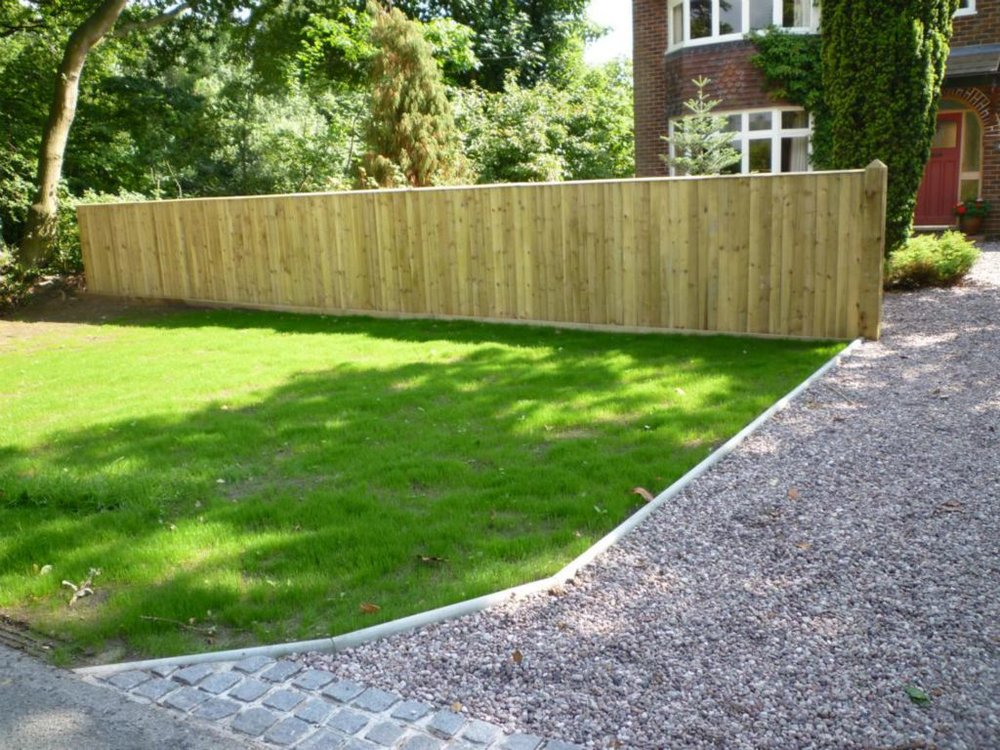 Miles Betteridge - Specializing in All types of Domestic Fencing, Garden Structures & Decking.Email : milesbettridge@hotmail.comContact MilesTel : 07989 425128