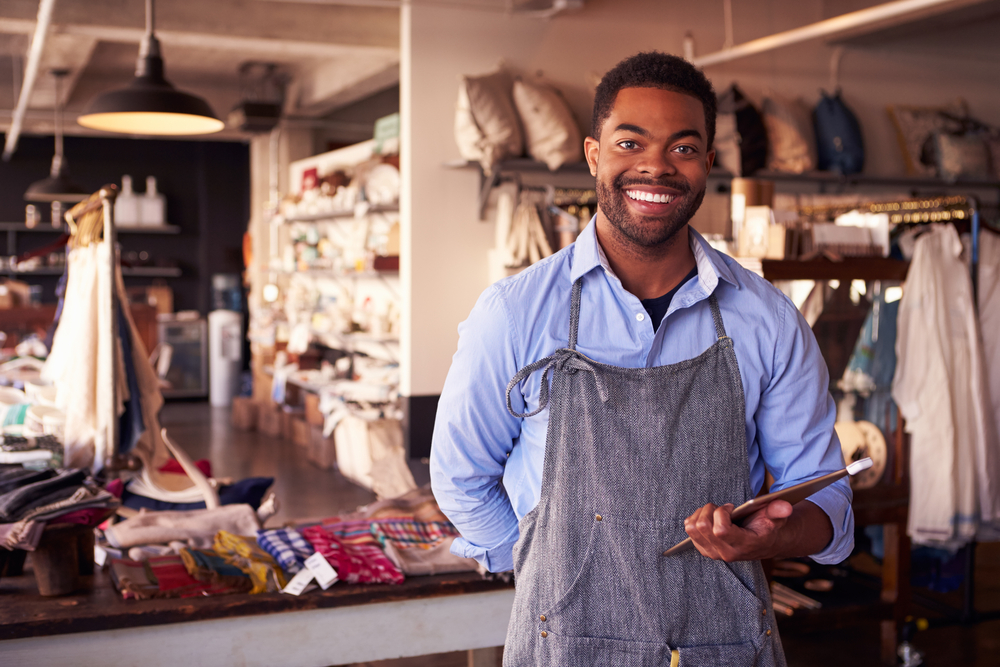 MERCHANTS - Small businesses and independent merchants that want to compete online. D2C brands that want to grow market share locally and globally.