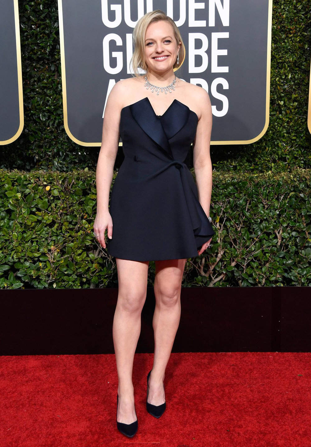 Elisabeth moss golden globes 2019 - HEAD TO TOE FASHION FOR GOOD