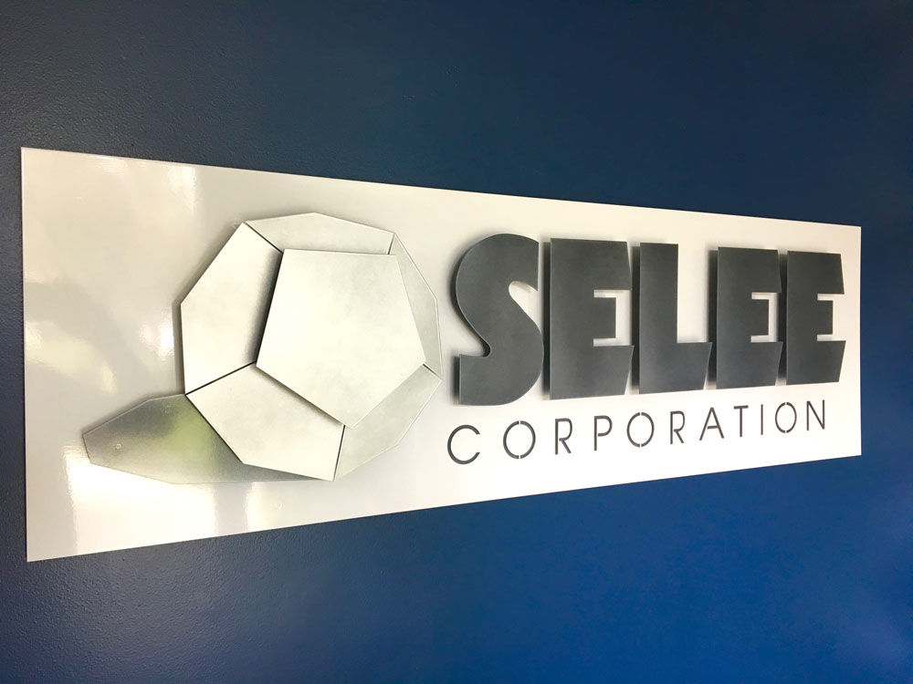 SELEE-3d-Sign-copy.jpg