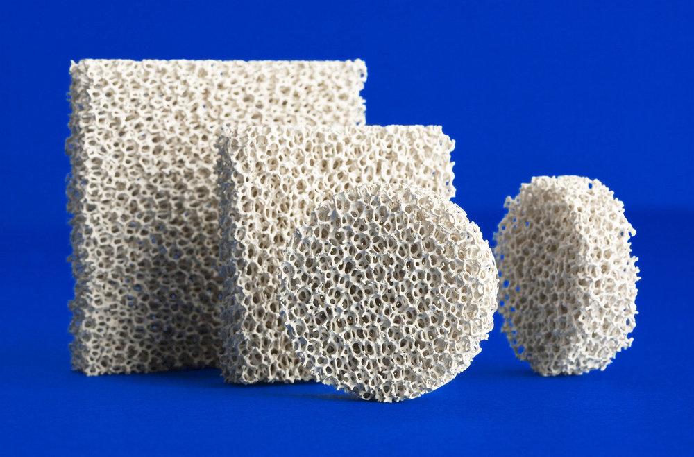 泡沫陶瓷过滤器的西利结构由于其高效性,使用的便利性和低成本被不同种类和规模的铝铸造客户作为首选。