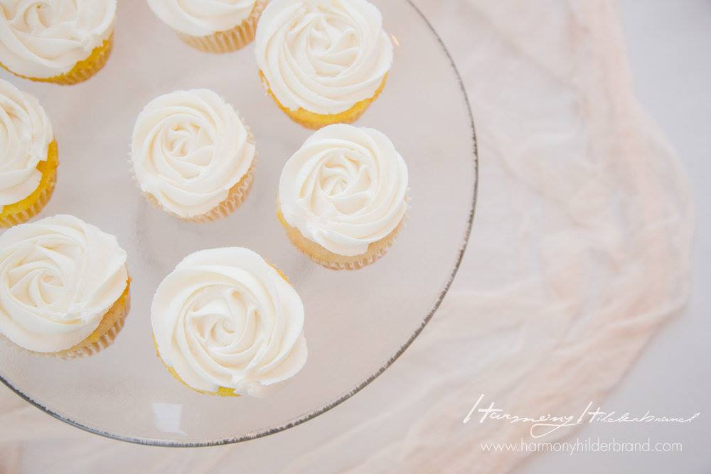 Wedding-Simple-Cupcakes.jpg
