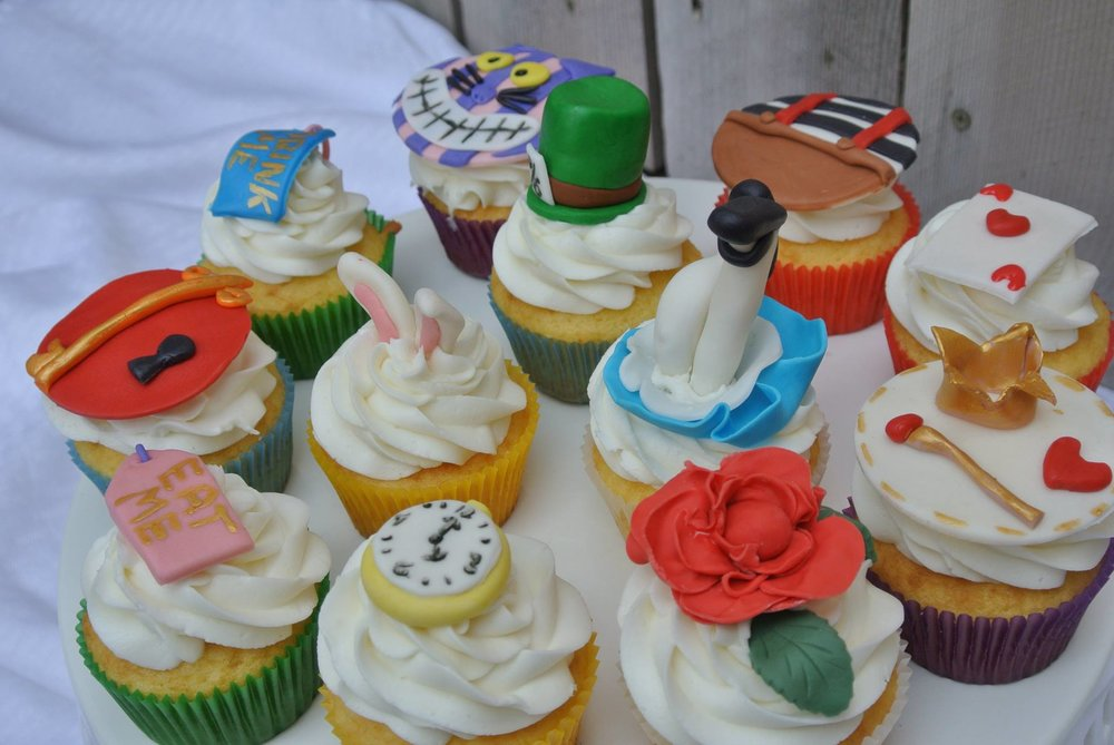 Cupcakes-Alice-in-Wonderalnd.jpg