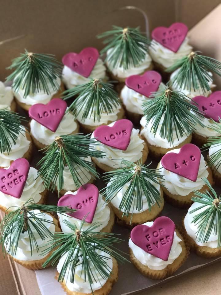 Cupcakes-Love.jpg