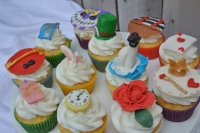 Cupcakes-Alice-in-Wonderalnd.jpg