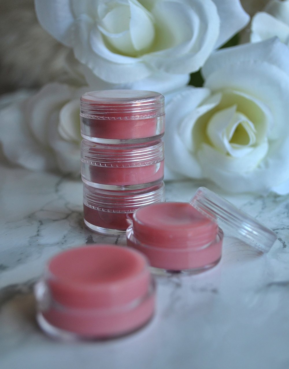 The-Hungarian-Brunette-DIY-Homemade-Lip-balm.jpg