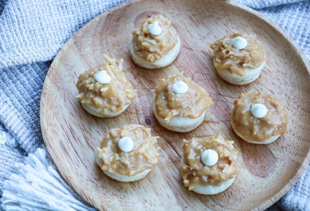 The-Hungarian-Brunette-Dulce-de-leche-coco-cookies-recipe-1-of-9.jpg