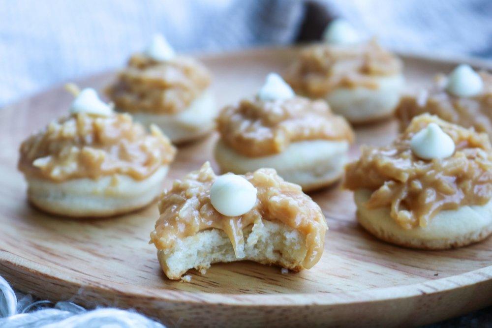 The-Hungarian-Brunette-Dulce-de-leche-coco-cookies-recipe-7-of-9.jpg