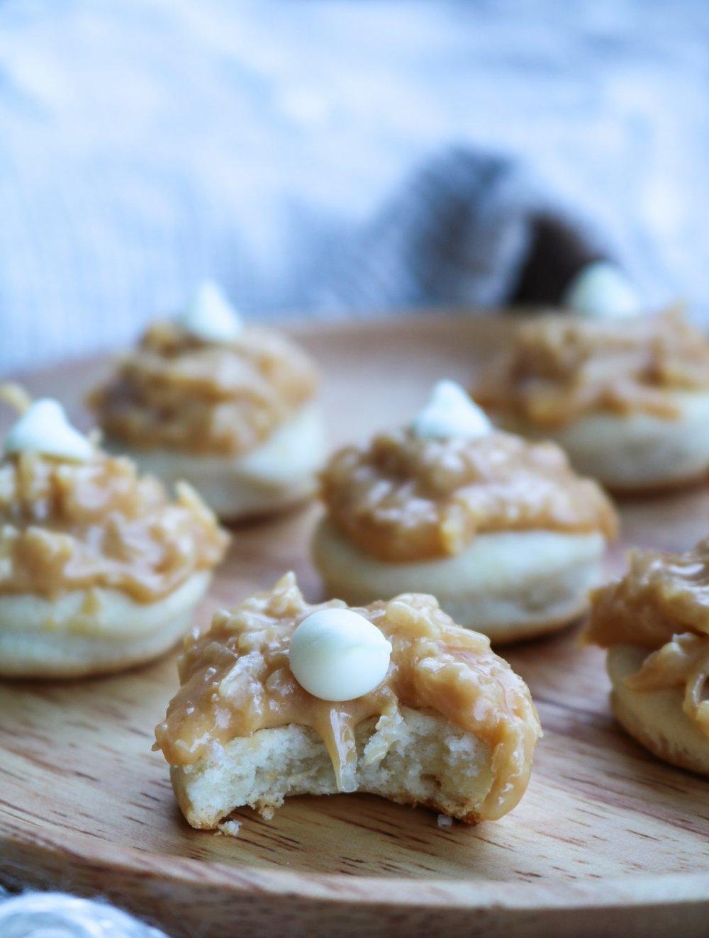 The-Hungarian-Brunette-Dulce-de-leche-coco-cookies-recipe-8-of-9.jpg
