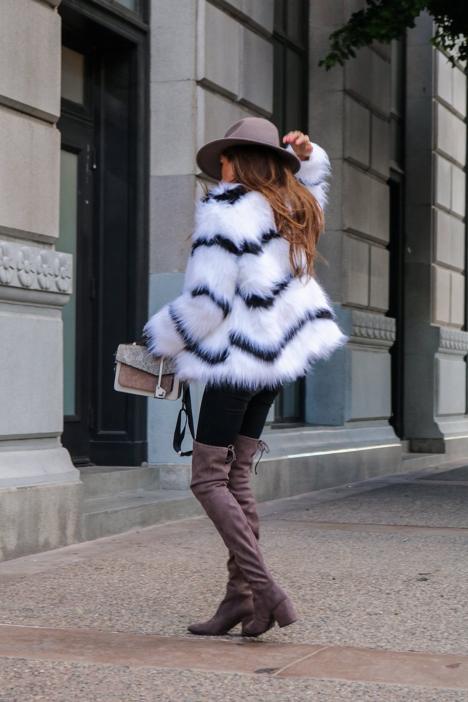 The+Hungarian+Brunette+Black+and+white+fur+coat+%2851+of+80%29.jpg