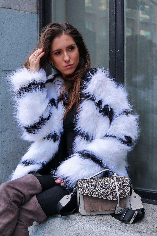 The+Hungarian+Brunette+Black+and+white+fur+coat+%2871+of+80%29.jpg