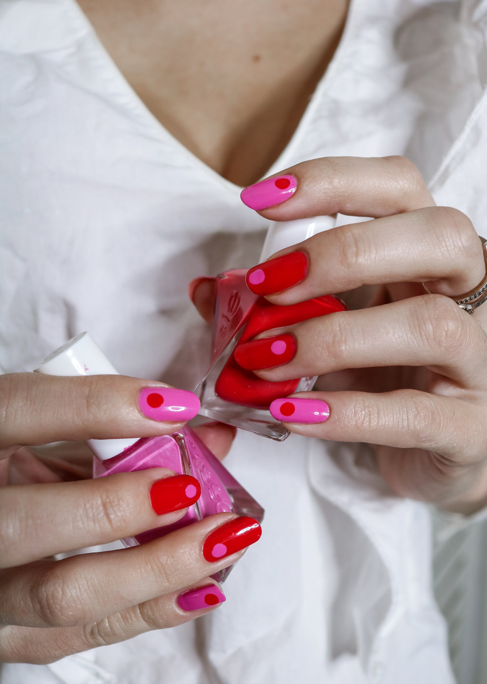 The Hungarian Brunette Red and Pink 30 second Q-tip nail art (1 of 3).jpg