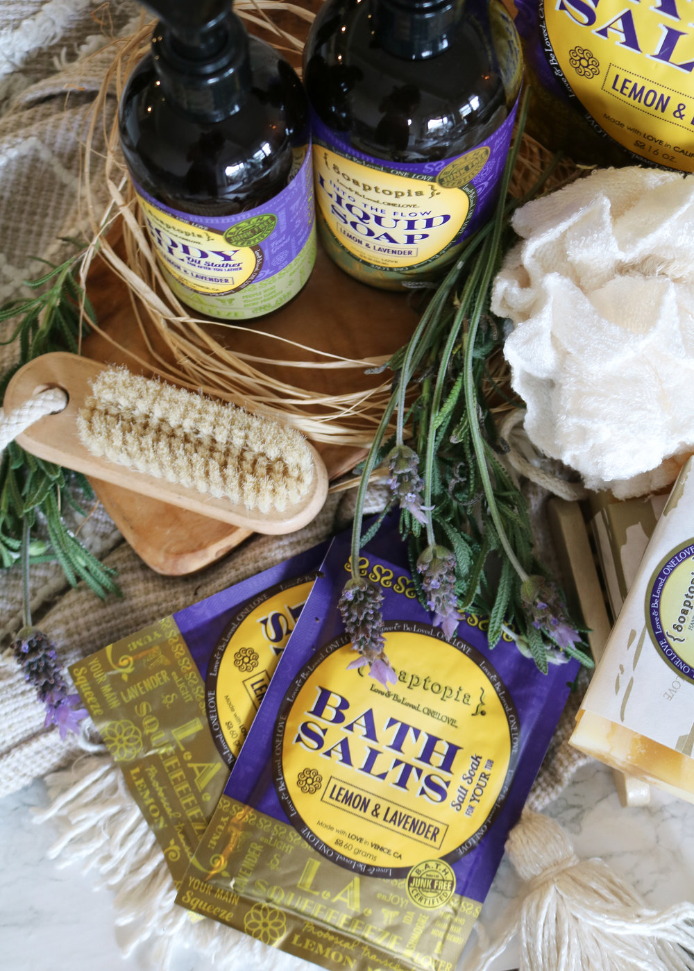 The perfect bath time ritual (& product line) to unwind at night - soaptopia lemon-lavender collection review