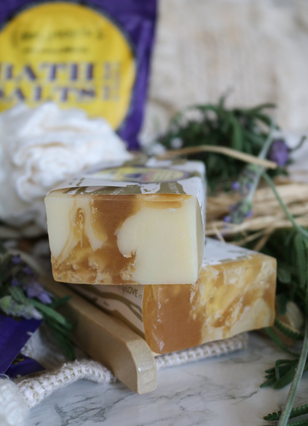 The+Hungarian+Brunette+lavender+lemon+soaps+and+bath+products+%284+of+16%29.jpg