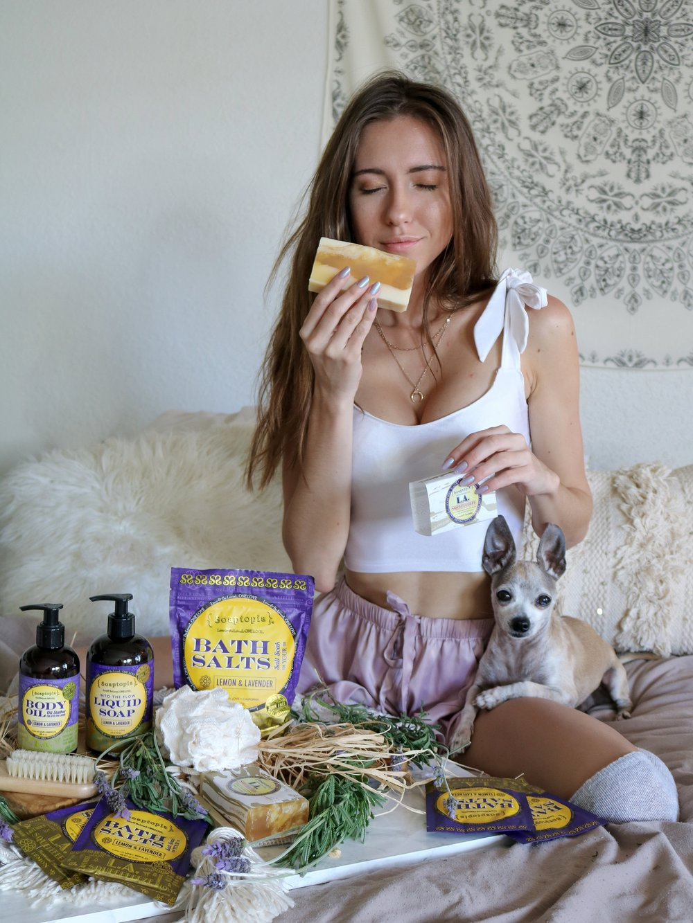 The+Hungarian+Brunette+-+THE+PERFECT+BATH+TIME+RITUAL+%28%26+PRODUCT+LINE%29+TO+UNWIND+AT+NIGHT+-+Soaptopia+Lemon+lavender+collection
