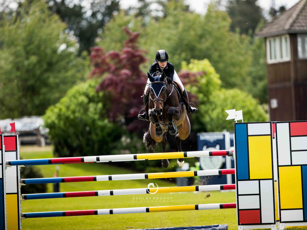 Jenn Gates and Dolinn at Thunderbird, Langley CSI 2*. Photo by Ashley Neuhof Photography.