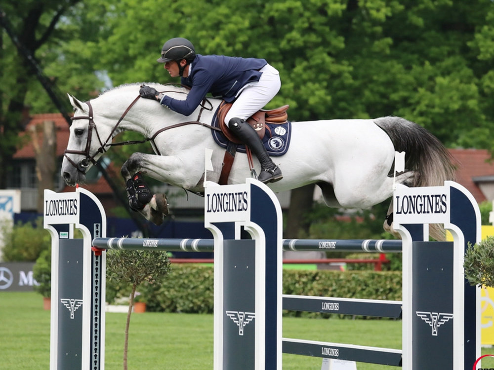 Gregory Wathelet and Mjt Nevados S at GCL Hamburg. Photo by Sportfot.