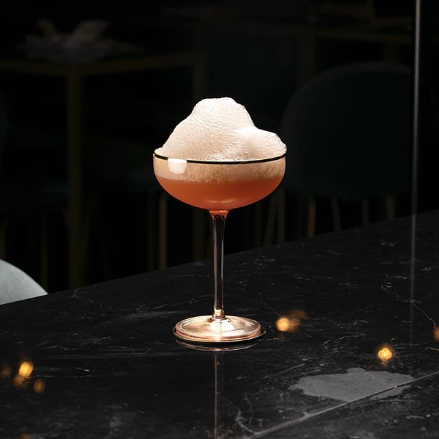 The Blood Bath • • • • • #cyrsainthenri #cyr #pickmeup  #fiftyshadesofgreen #cocktail #montreal #mtlbar #tuesday #mtlrestaurant #restaurant #icebar #mtlmoments #speakeasy #gin #bergamot #celery #sainthenri #bardequartier