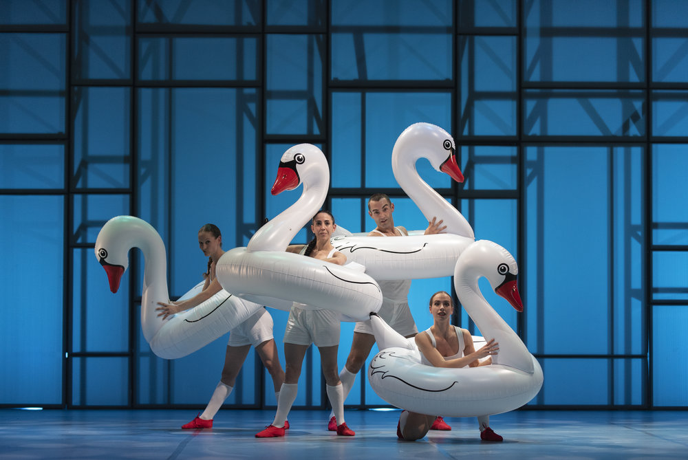 Aracaladanza   The family friendly show, Aracaladanza sees a pure white stage is taken over by five dancers, as they scramble through a fast flow of puppets, videos, balloons and fantastical costumes. It's sure to have your children enchanted.