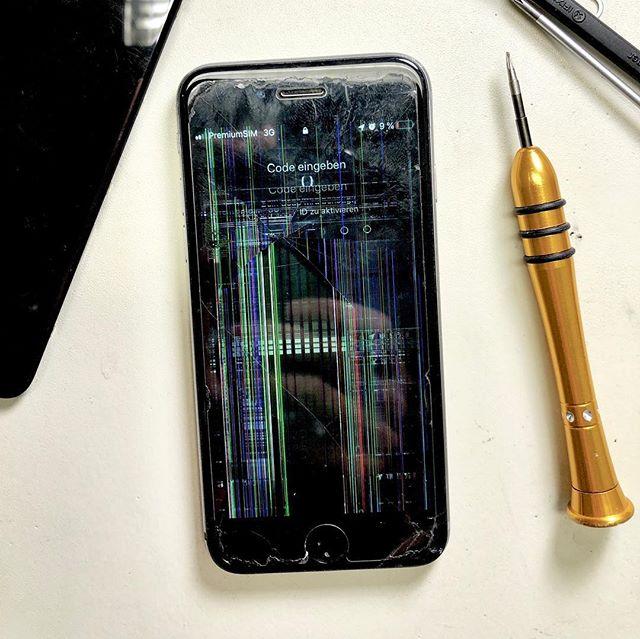 iPhone 6 Displaytausch in nur 1 Stunde für 89 Euro.  #iphone #reparatur #iphonereparatur #heidelberg #heidelbergaltstadt #altstadtheidelberg #unterestrasseheidelberg #iphonedocheidelberg #iphone6display #iphone6displaywechsel #iphone6displaytausch #iphone6reparatur