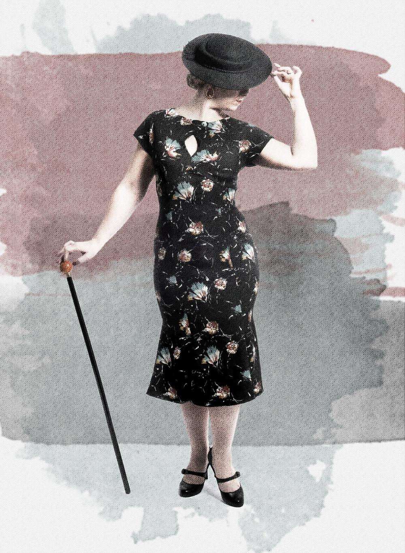 No. 16 Sevilla - Denne kjole er inspireret af 30érnes spanske senorita. Den smalle underdel med en fyldig bund og den lukkede overdel med den dråbeformede åbning skaber en moderne hverdagskjole af den klassiske senorita.
