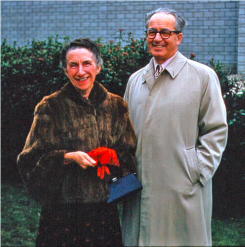 Roberto and Mary Woods.jpg