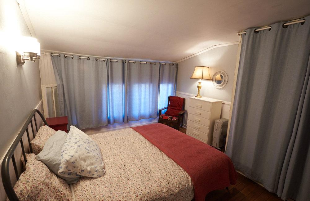 Lee's room.jpg