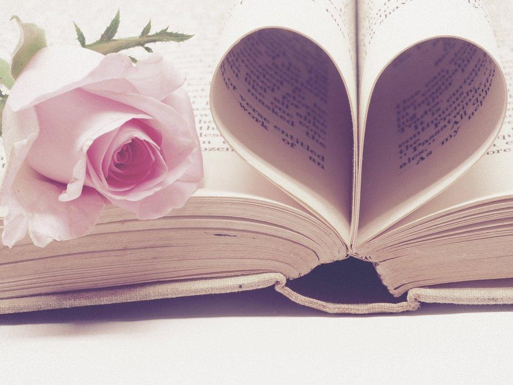 literature-3060241.jpg
