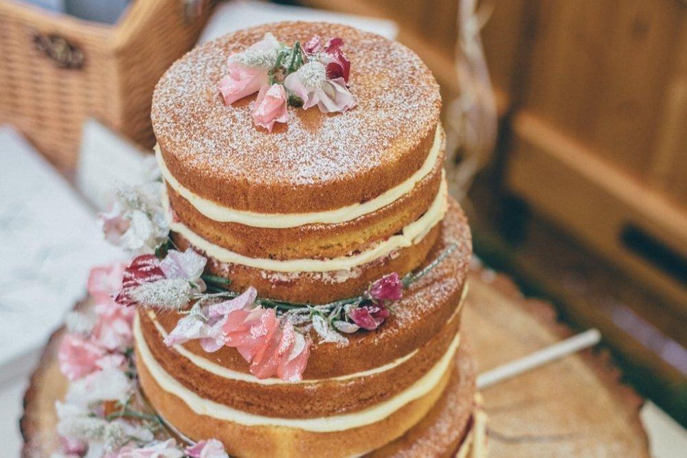 yurt-interior-fiesta-fields-cake.jpg