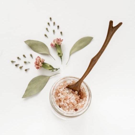 TOPICALS - Our simple, yet powerful topical products offer alternatives and ultimate dosage control in versatile formats to complement any lifestyle. Our balms provide targeted relief to applied areas and our epsom salt blends produce an all over body buzz. The Cannabinoids are absorbed through the skin but do not enter the bloodstream and are non-psychoactive. We believe that natural treatments are the best treatments, and strive to create products with un-compromised purity, quality, and functionality.