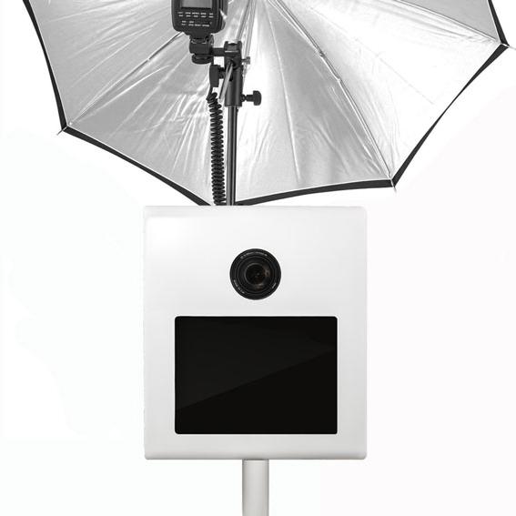 Taskukohane photobooth välguga