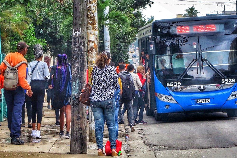 Autobuses en La Habana.