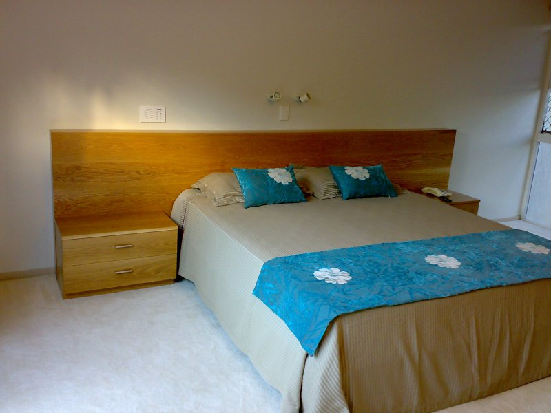 2-american-oak-bed-head-with-bed-side-tables.jpg