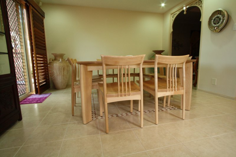 8-american-maple-dining-table.jpg